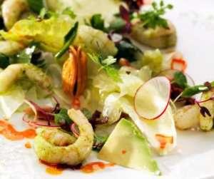 Prøv også Reke og baconsalat med ristede pinjekjerner.