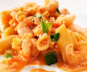 Prøv også Pasta med reker, tomater og crème fraiche.