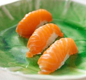 Prøv også Nigiri sushi med laks.