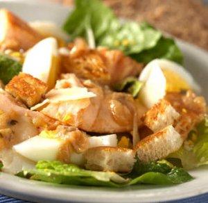 Prøv også Cæsarsalat med varmrøykt laks.