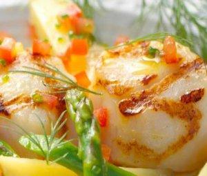 Prøv også Grillet kamskjell med asparges.