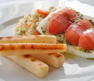 Prøv også Kveite bakt i ovn med risotto og tomater.