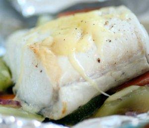 Prøv også Kveite med grønnsaker bakt i folie.