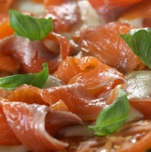 Prøv også Pizza med pesto, mozzarella og røykelaks.