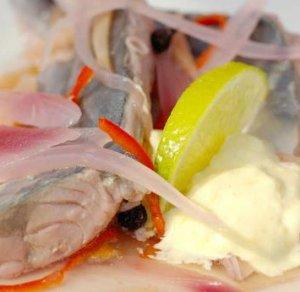 Prøv også Syltet makrell med pepperrotkrem.