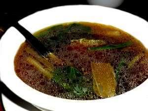 Prøv også Bulalo soup.