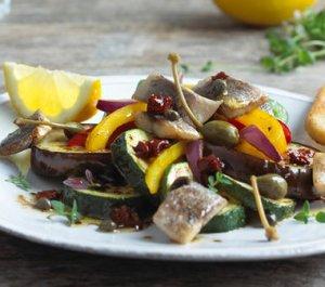 Les mer om Stekt matjessild med gr�nnsaker og balsamicosaus hos oss.