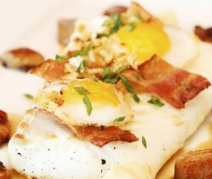 Prøv også Ovnsbakt skrei med egg, bacon og sitronløkkrem.
