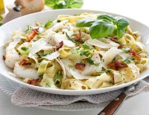 Prøv også Pasta carbonara med torsk og bacon.