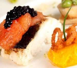 Prøv også Pepper- og rosmarinbakt torsk med gulrotpuré.
