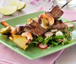 Prøv også Biff- og scampispyd med asiatisk salat.