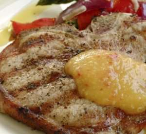 Prøv også Grillede koteletter med mangosaus og aspargessalat.