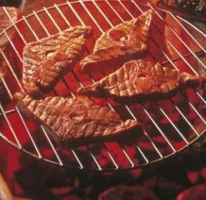 Bilde av Grillet reinsdyrkotelett med b�tpotet og gr�nnsakspakke.