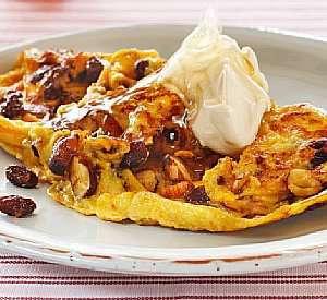 Prøv også Omelett med ristede nøtter, rosiner og honning.