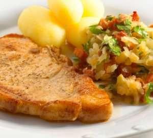 Prøv også Koteletter med surkål, bacon og persille.