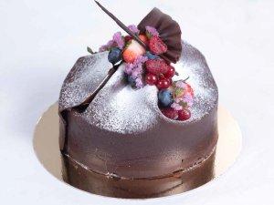 Sjokolade og bringebærkake oppskrift.