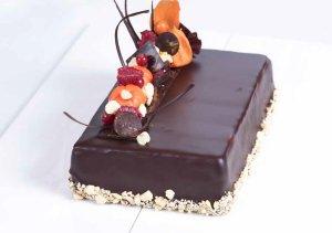 Les mer om Sjokoladekake med m�rk sjokoladekrem og tindved hos oss.