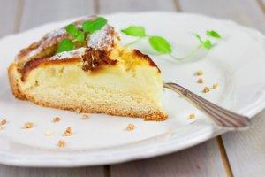 Les mer om Eplekake fra gourmeten hos oss.
