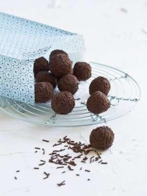 Prøv også Sjokolade- og marsipankuler.