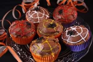 Prøv også Spindelvev-cupcakes.