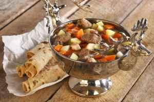 Prøv også Kjøttsuppe med havregryn.