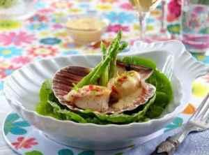 Prøv også Kamskjell med chili, hvitløk og asparges.