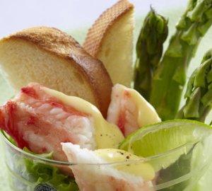 Prøv også Kongekrabbe med asparges og sitronhollandaise.