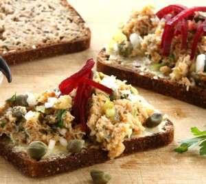 Prøv også Krabbesalat på grovt brød.