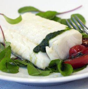 Prøv også Trøffelmarinert skrei med tomatsalat og urteolje.