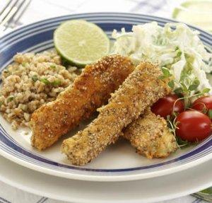 Prøv også Fiskepinner av laks med kålsalat.