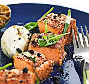 Prøv også Grillet laks med fennikel og fetadressing.