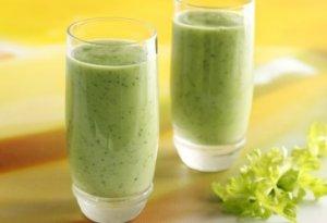 Prøv også Smoothie med avokado og hasselnøtter.