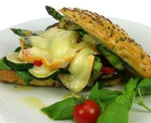 Prøv også Varm sandwich med Saint Albray.