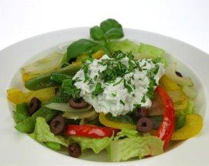 Prøv også Lun salat med geitostkrem.