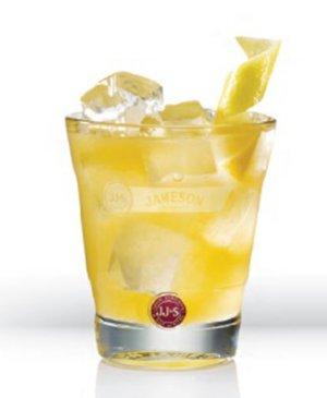 Prøv også Jameson Apricot Sour.