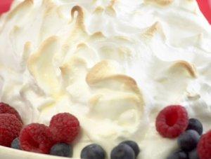 Prøv også Omelett norvegienne med bringebær.