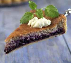 Prøv også Blåbærpai med kardemommekrem.