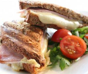 Prøv også Toast med ost og skinke.