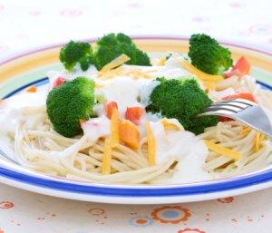 Prøv også Spaghetti med ostesaus og grønnsaker.