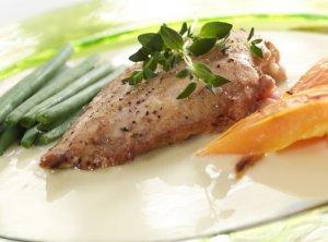 Prøv også Grillet kylling med paprika og karrisaus.