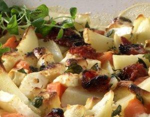 Prøv også Bakte rotgrønnsaker med fetaost og hvitløk.