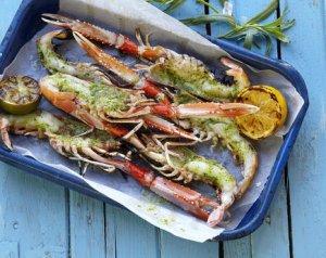 Prøv også Grillet sjøkreps med estragon- og hvitløkssmør.