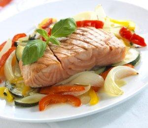 Prøv også Grillet laksefilet med foliegrillede grønnsaker.