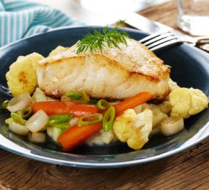 Prøv også Stekt torsk med blomkålpuré og glaserte grønnsaker.