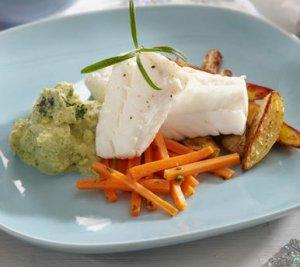 Prøv også Kokt torsk med brokkolikrem og glaserte gulrøtter.
