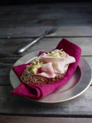 Prøv også Kalkunsmørbrød a la valdorf.