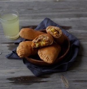 Prøv også Piroger med kål, gulrot og egg.