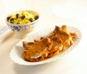 Prøv også Svinekoteletter med kremet kinakål.