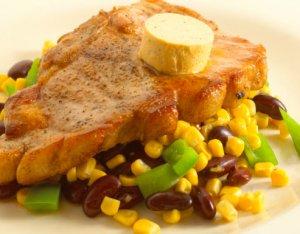 Prøv også Svinekoteletter med varm bønnesalat.