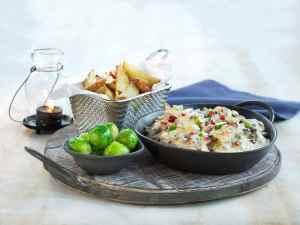 Pr�v ogs� Reinsdyrpanne med rosenk�l og ovnsbakte poteter.